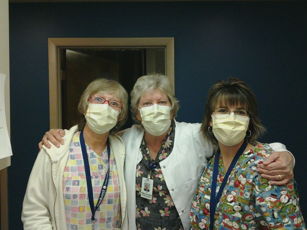 nurses-3-wearing-masks