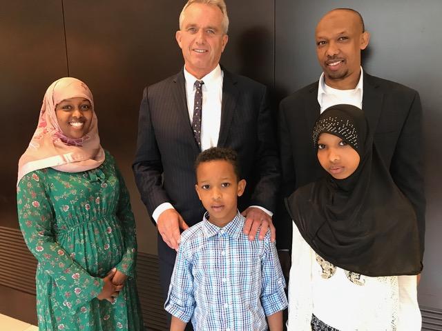 RFK-with-Somali-family-MN