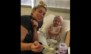 Aniya-smiling-with-mom-in-hospital--300x178